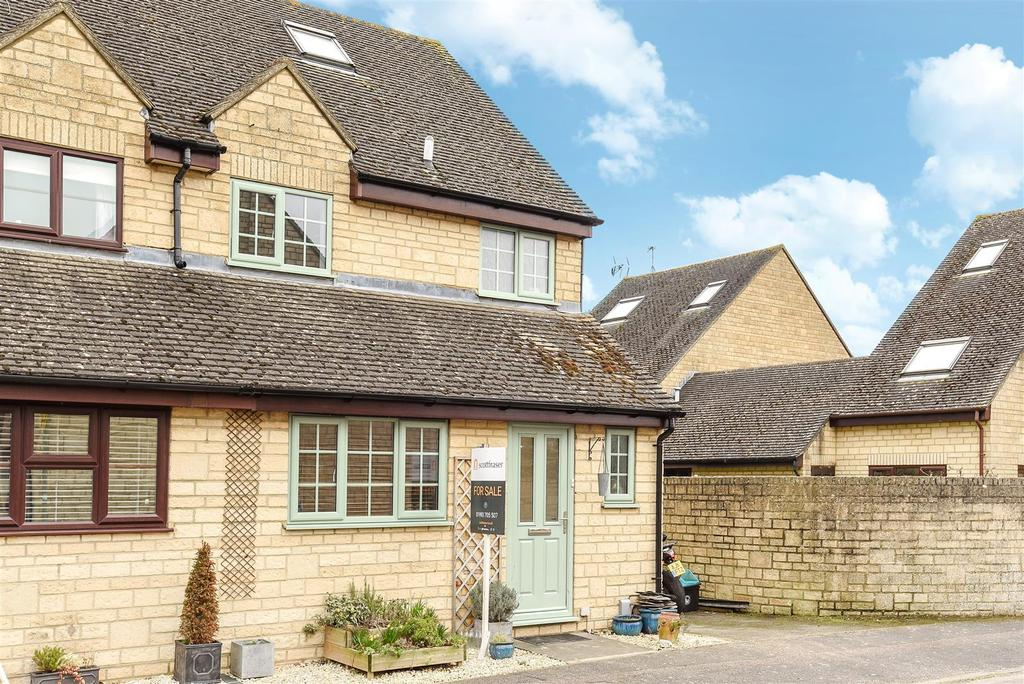 4 Bedrooms Semi Detached House for sale in Newland Mill, Witney