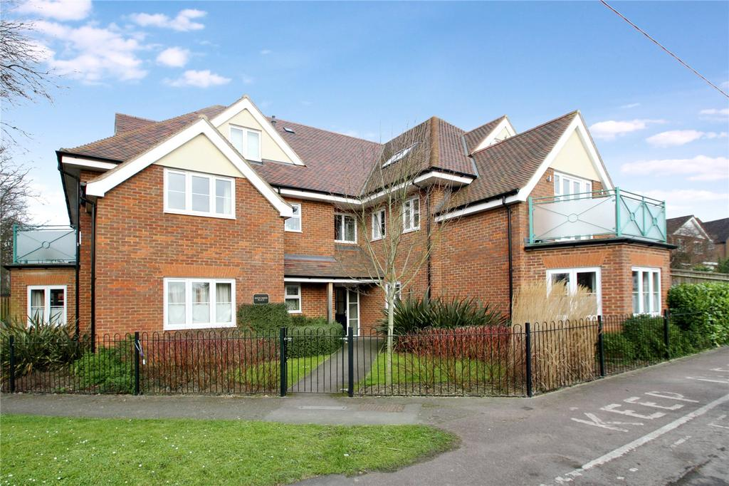 2 Bedrooms Apartment Flat for sale in Midsummer Place, Manor Park Avenue, Princes Risborough, Buckinghamshire, HP27