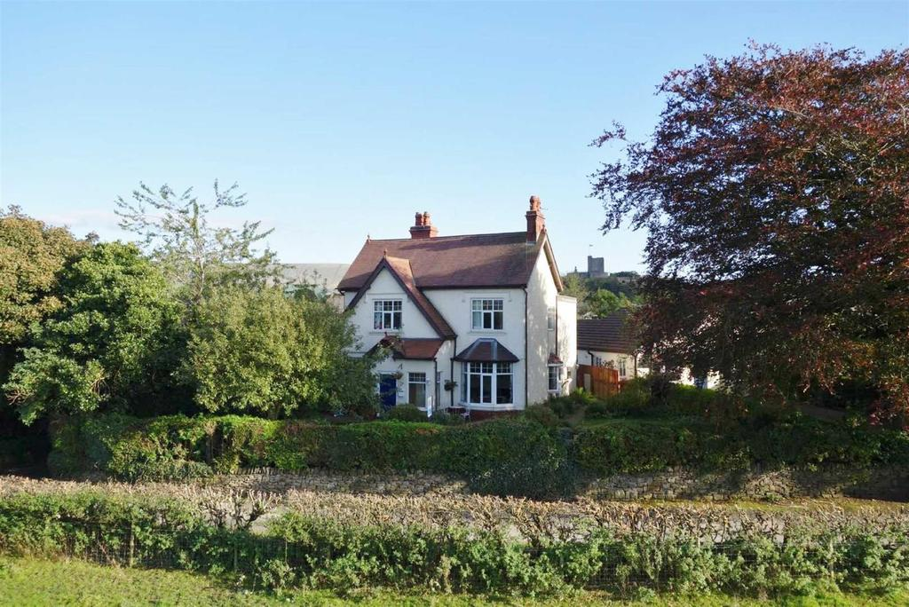 5 Bedrooms Detached House for sale in Back Commons, Clitheroe