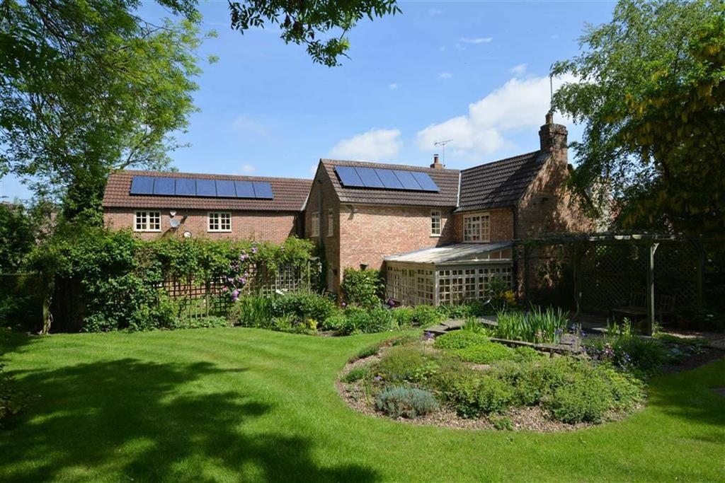 5 Bedrooms Detached House for sale in Chapel Lane, Coddington, Nottinghamshire, NG24