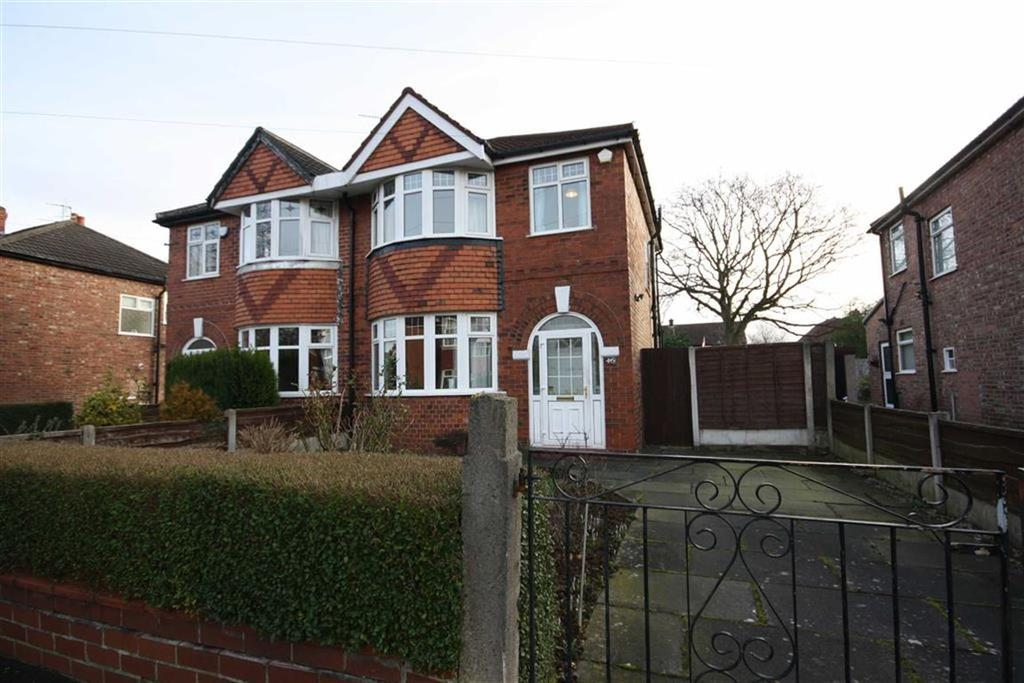3 Bedrooms Semi Detached House for sale in Bamber Avenue, Sale