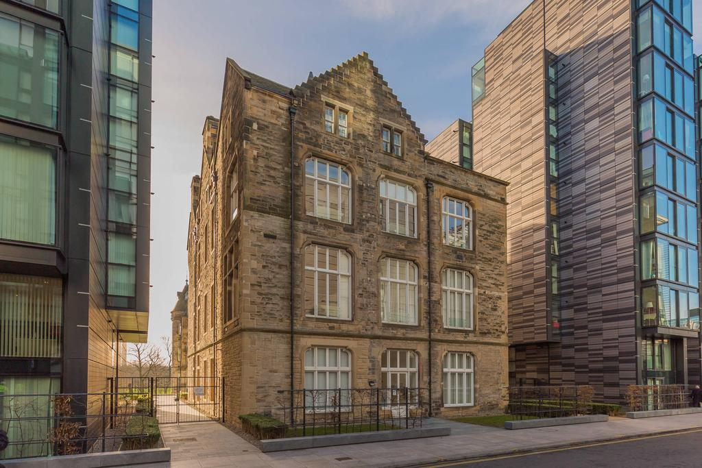 1 Bedroom Flat for sale in 22/6 Simpson Loan, Old Town, EH3 9GD