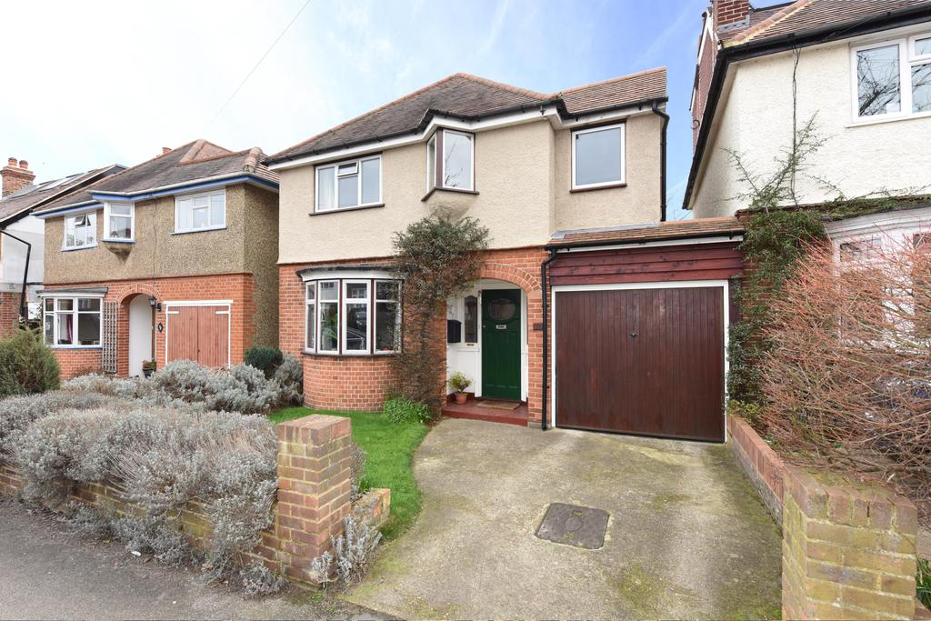 3 Bedrooms Detached House for sale in Dudley Road, WALTON ON THAMES KT12