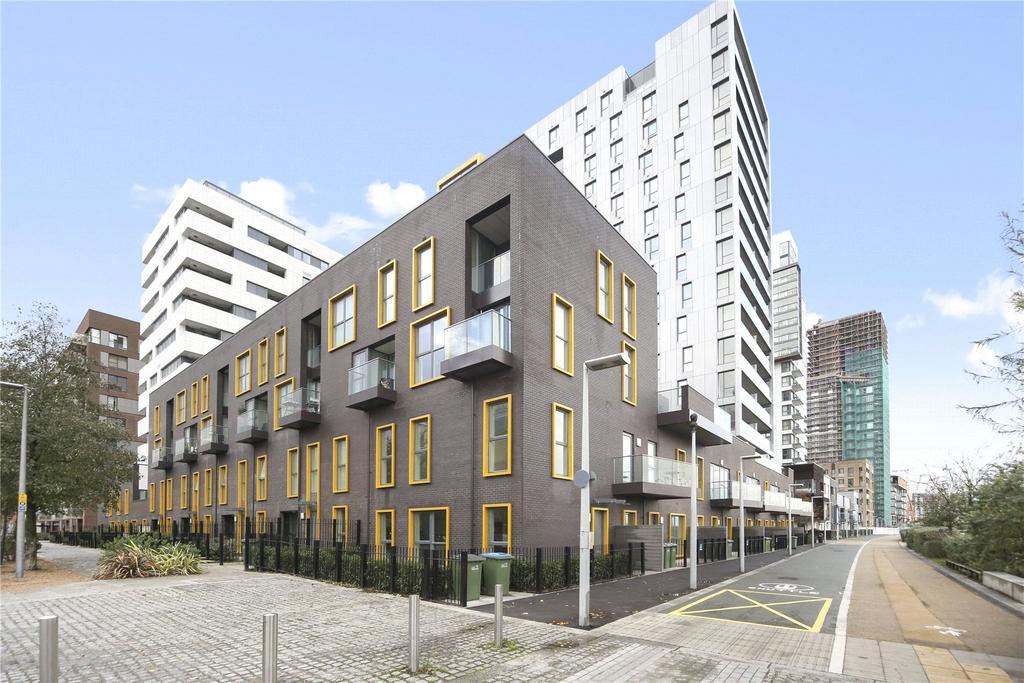 3 Bedrooms Maisonette Flat for sale in Olympian Way, Greenwich, London
