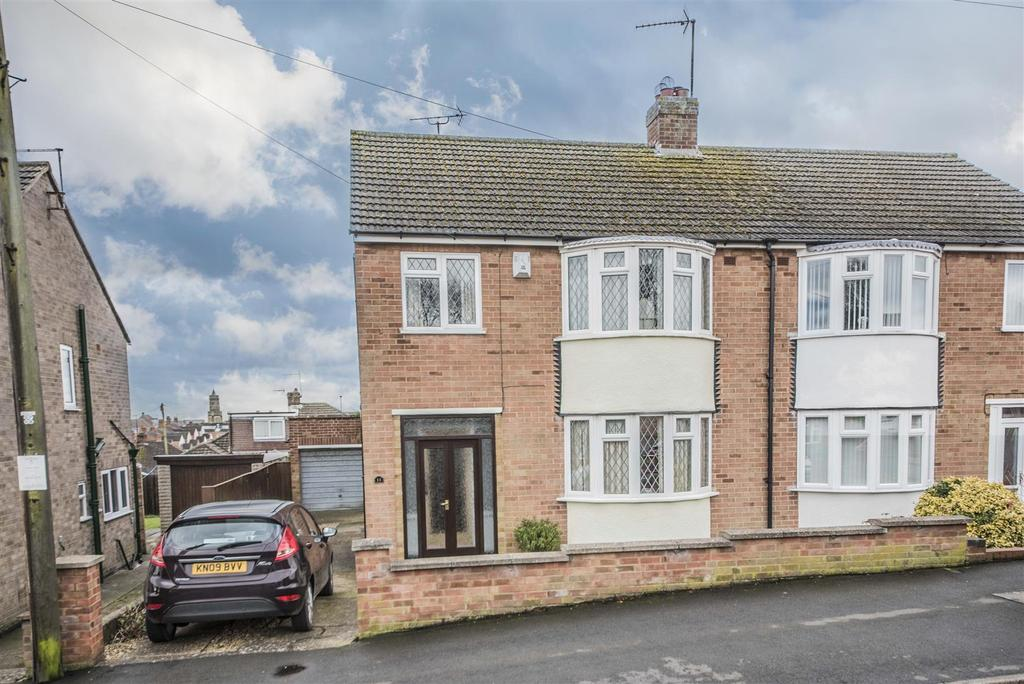 3 Bedrooms Semi Detached House for sale in Knightlands Road, Irthlingborough