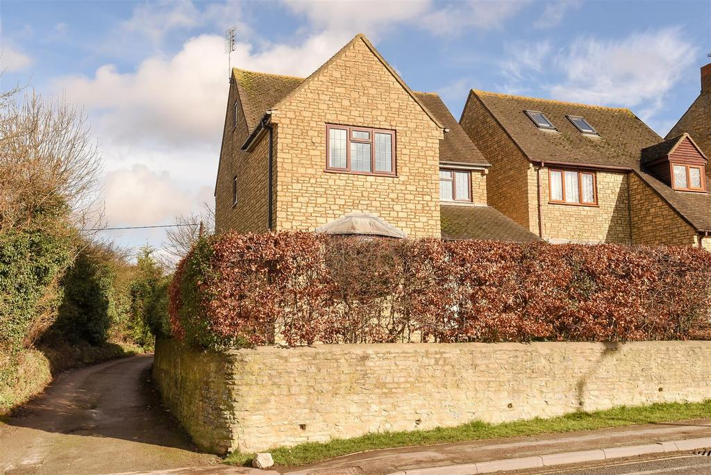 4 Bedrooms Detached House for sale in Oxford Hill, Witney