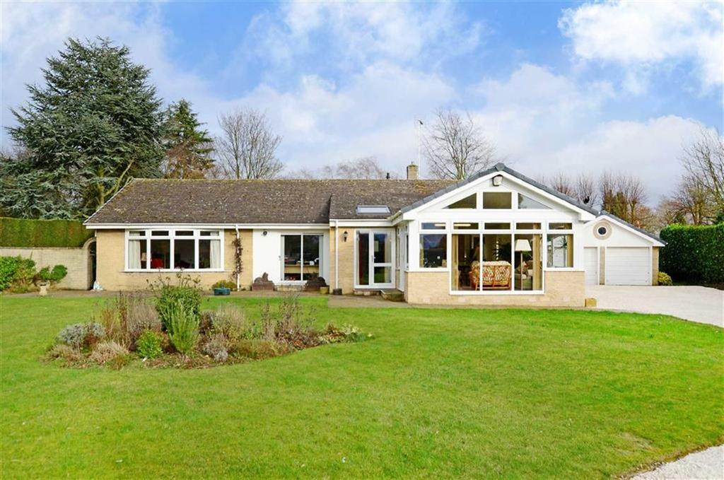 3 Bedrooms Bungalow for sale in Stone Lodge, Lindrick Common, Nr Worksop, Nottinghamshire, S81