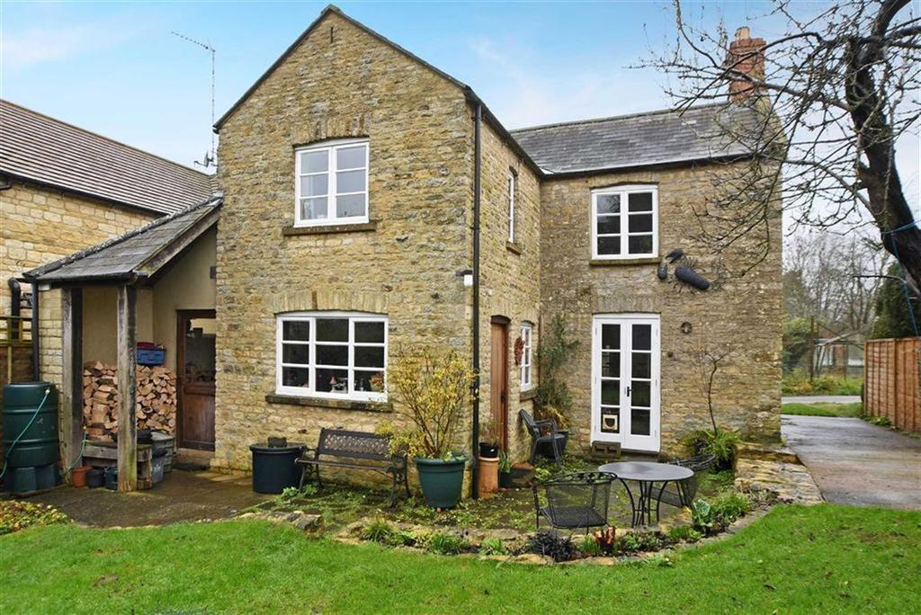 2 Bedrooms Semi Detached House for sale in Toy Lane, Chipping Norton, Oxfordshire