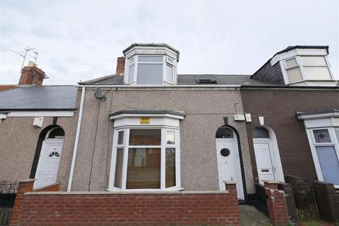3 bedroom terraced house for sale - St. Leonard Street, Hendon, Sunderland