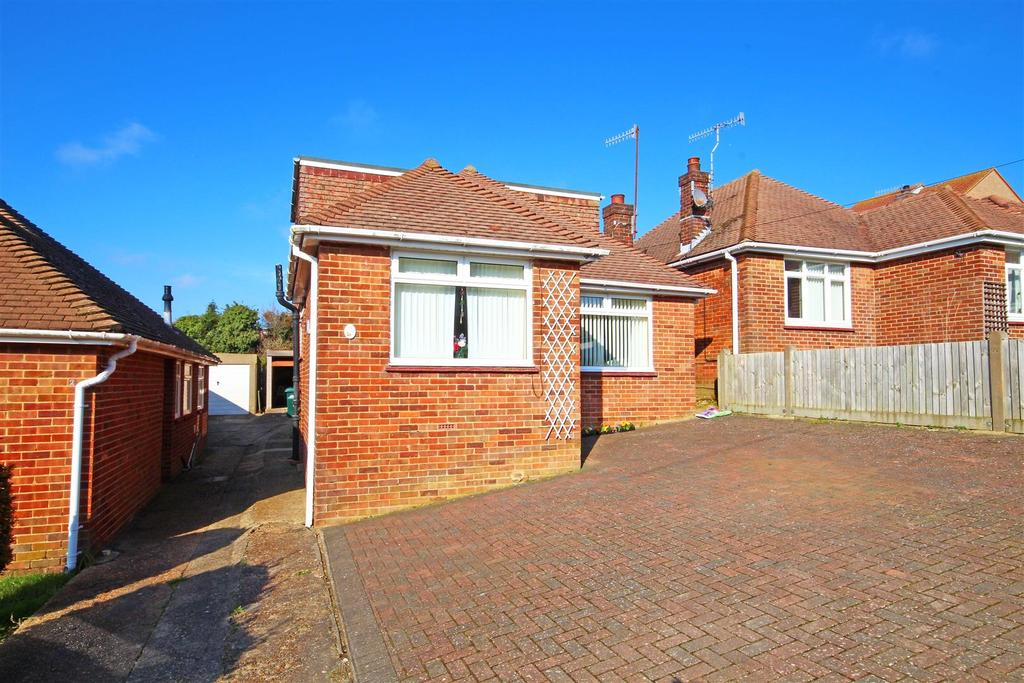 3 Bedrooms Detached Bungalow for sale in Downsview Road, Portslade, Brighton