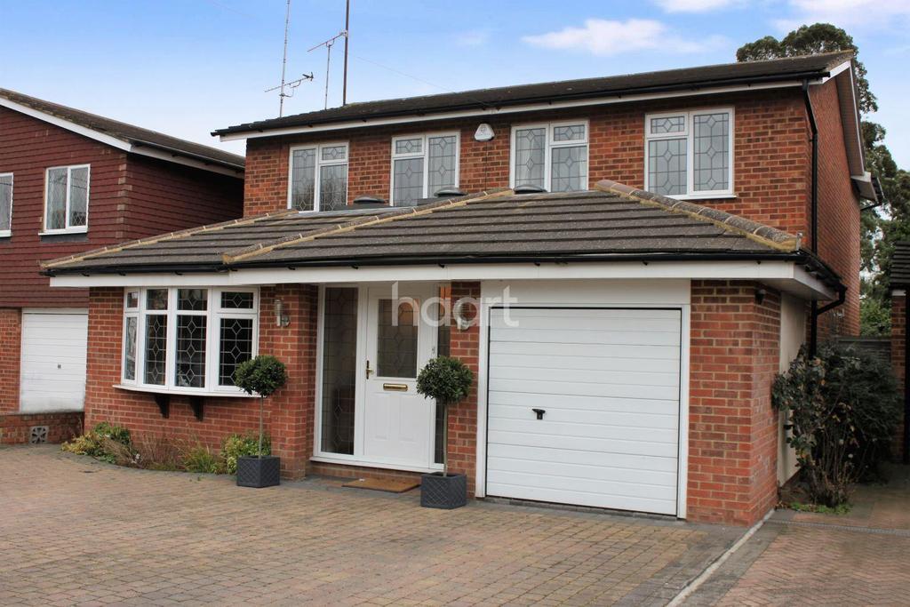 4 Bedrooms Detached House for sale in Broadlands, Hockley