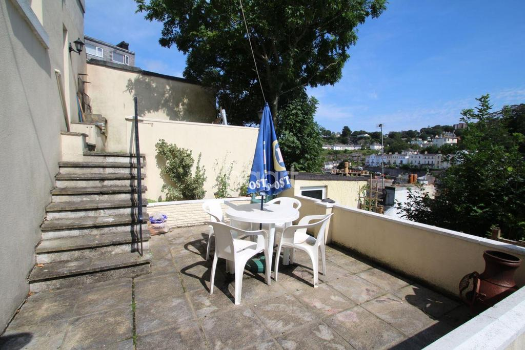 1 Bedroom Flat for sale in Warren Road, Torquay