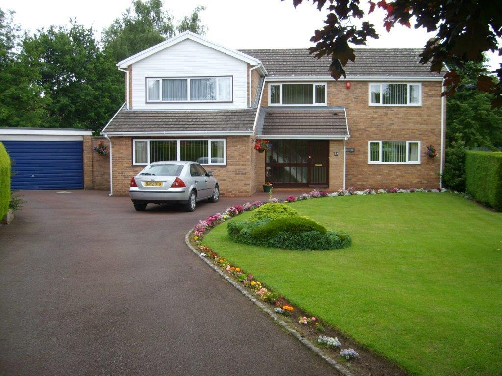 4 Bedrooms Detached House for sale in Coed Y Glyn