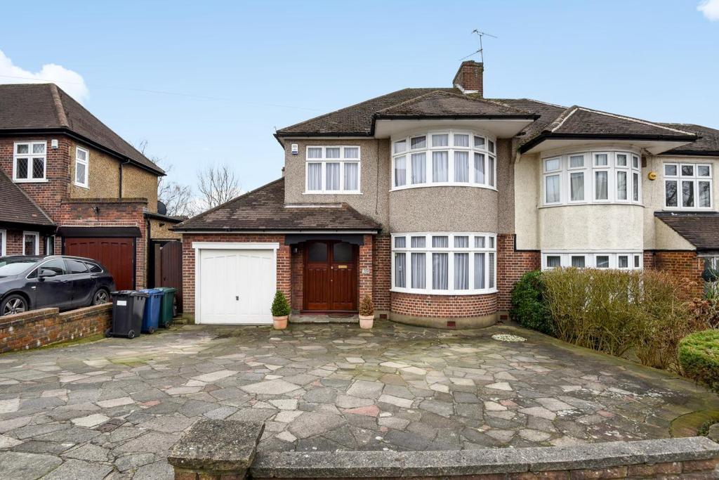 3 Bedrooms Semi Detached House for sale in Mount Pleasant, Barnet, EN4