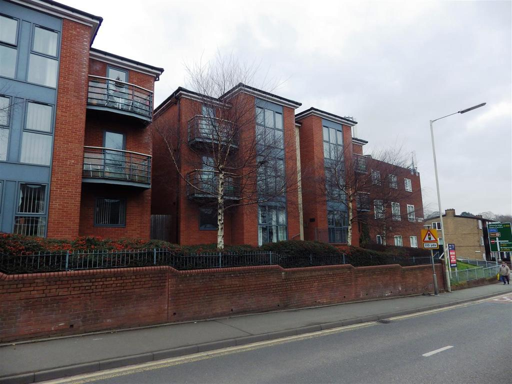 2 Bedrooms Apartment Flat for sale in High Street, Amblecote, Stourbridge