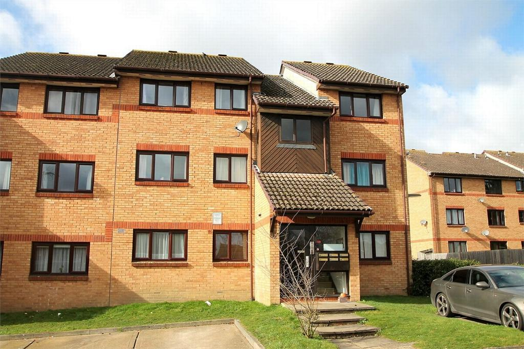 1 Bedroom Flat for sale in Ottershaw, Surrey