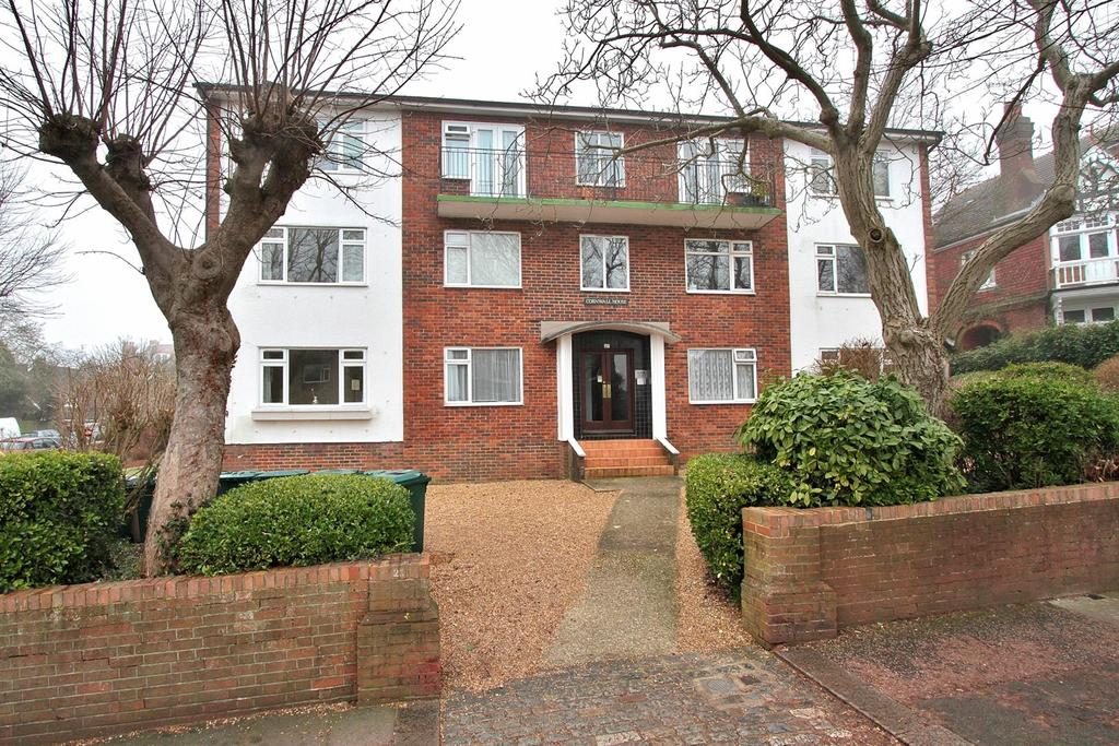 2 Bedrooms Flat for sale in Harrington Road