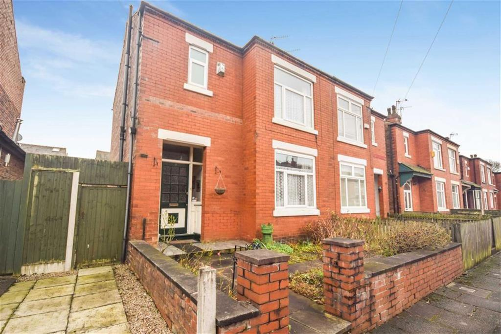 3 Bedrooms Semi Detached House for sale in Longton Road, Salford