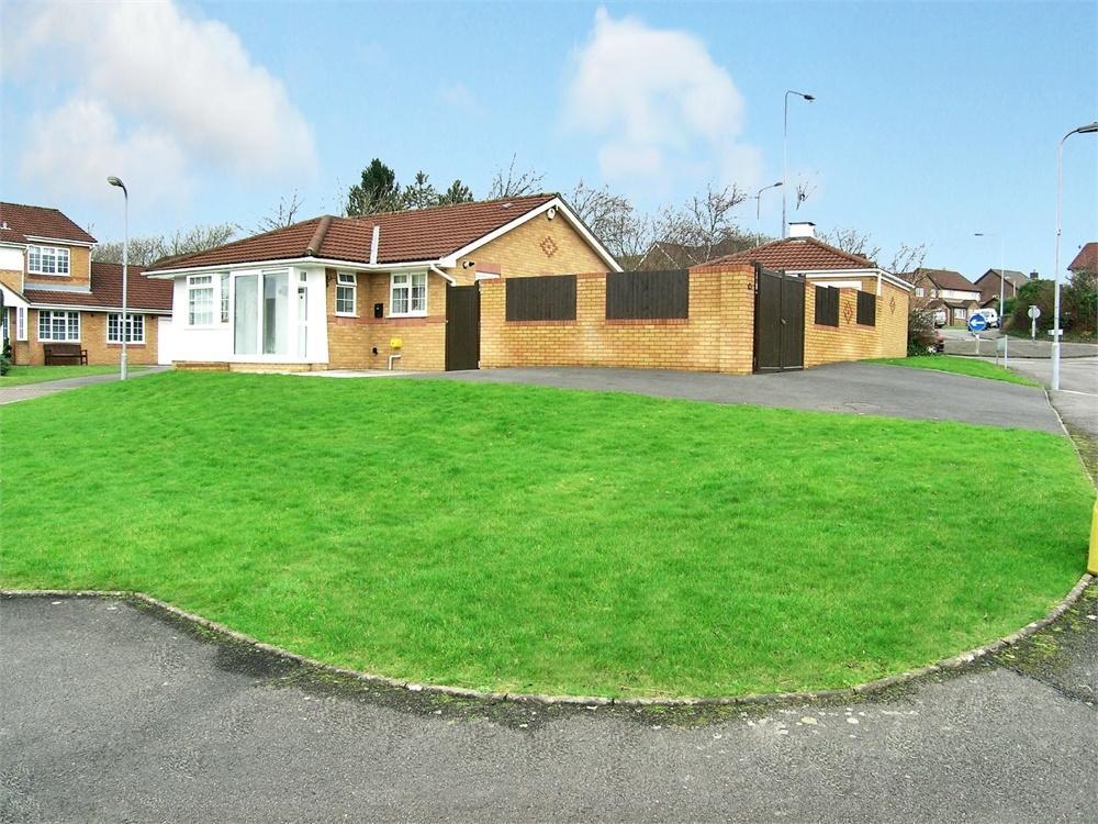 2 Bedrooms Detached Bungalow for sale in Clos Nant Y Cor, Pontprennau, Cardiff