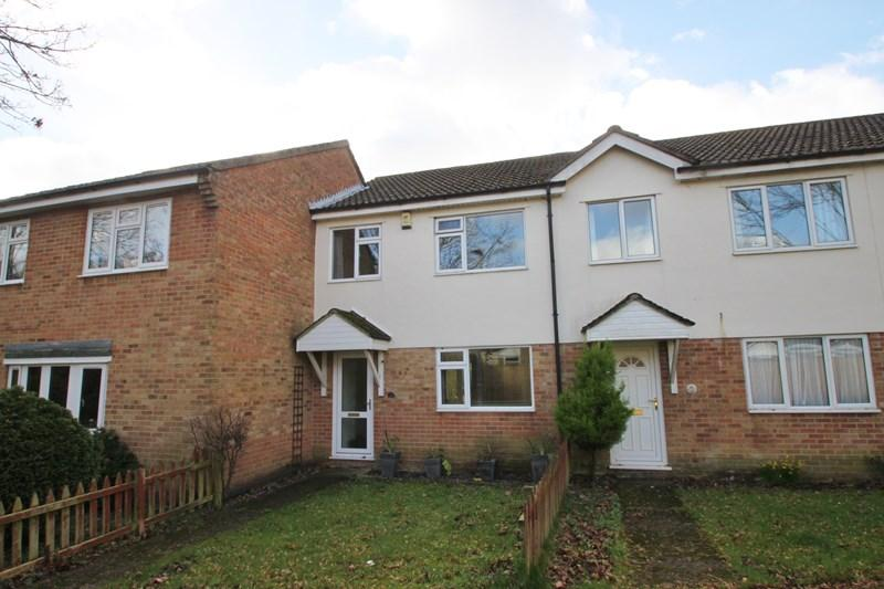 3 Bedrooms Terraced House for sale in Foxes Close, Verwood