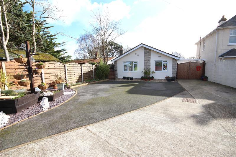 2 Bedrooms Detached Bungalow for sale in Plantation Road, Poole