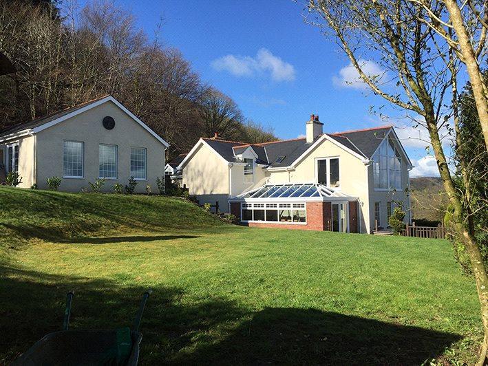 5 Bedrooms Detached House for sale in Llanarthney, Carmarthenshire, SA32
