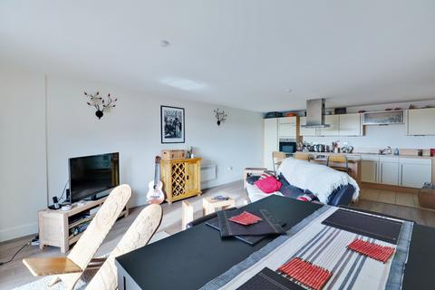 2 bedroom apartment for sale - Brecon House, Gunwharf Quays