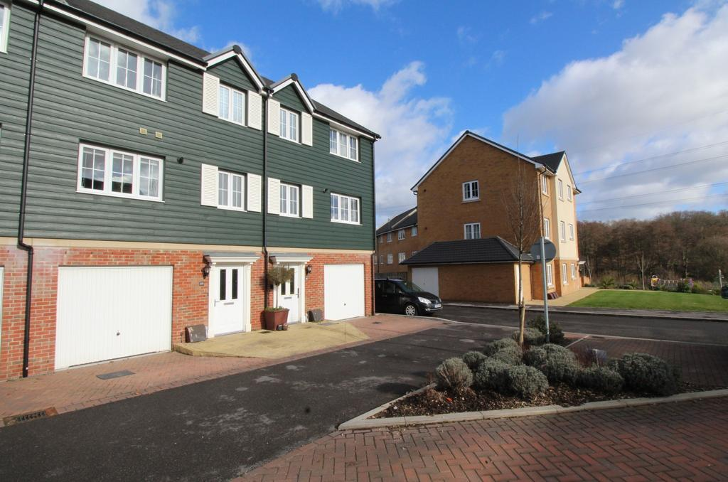 3 Bedrooms Town House for sale in Maud Avenue, Titchfield Common