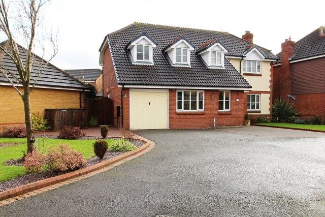 4 Bedrooms Detached House for sale in St. Marks Close,Great Wyrley,Staffordshire