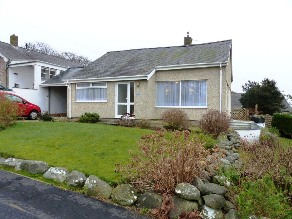 3 Bedrooms Bungalow for sale in 66 Llwyn Ynn, Talybont, LL43