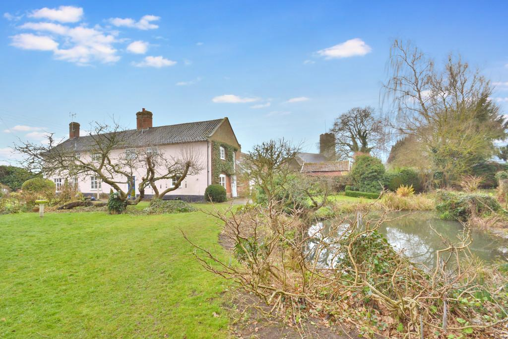4 Bedrooms Farm House Character Property for sale in High Road, Needham