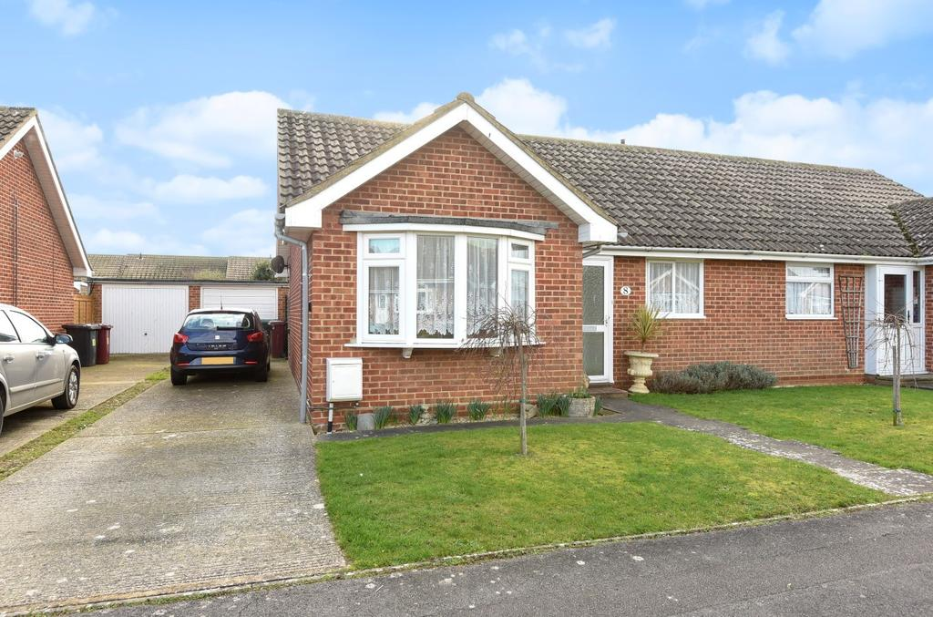 2 Bedrooms Bungalow for sale in Harrow Drive, West Wittering, PO20