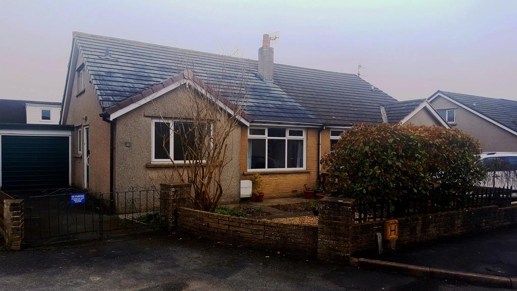 2 Bedrooms Semi Detached Bungalow for sale in 6 The Crescent, Holme, Carnforth