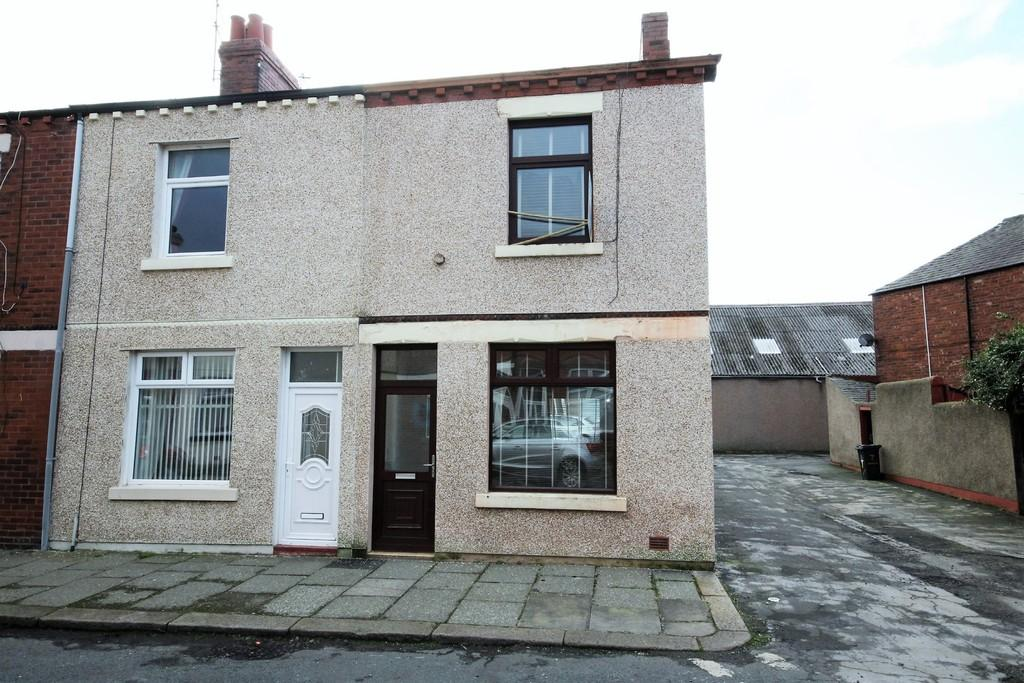 2 Bedrooms End Of Terrace House for sale in 11 Consett Street, Barrow
