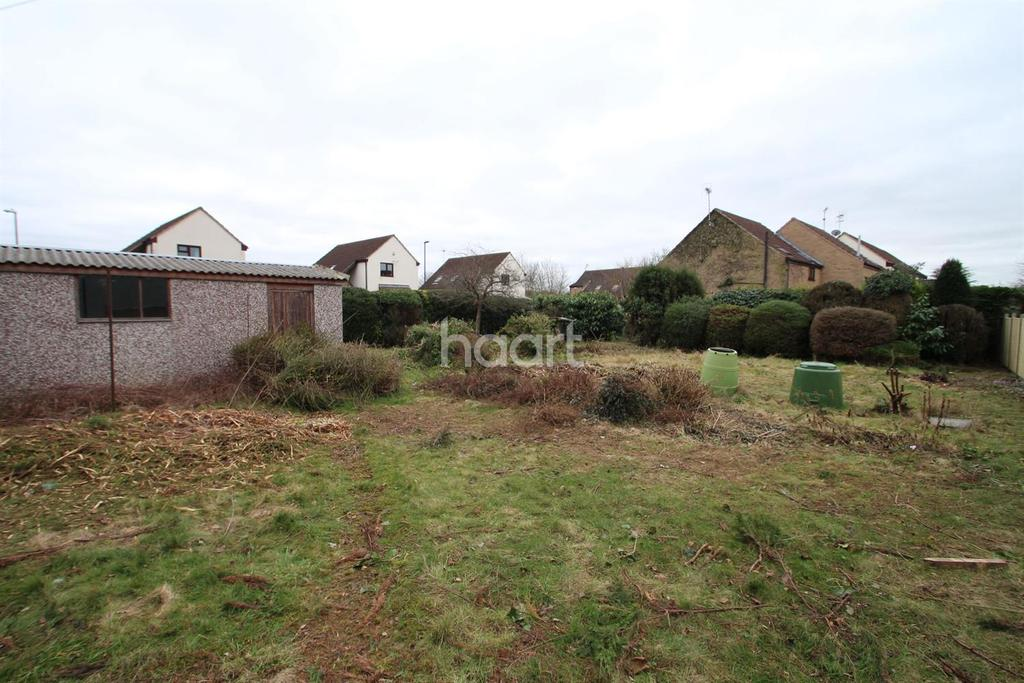 2 Bedrooms Bungalow for sale in Holly Avenue, Wilford Village,Nottinghamshire