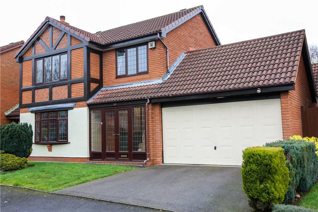 4 Bedrooms Detached House for sale in Beechcroft Drive, Bromsgrove, B61
