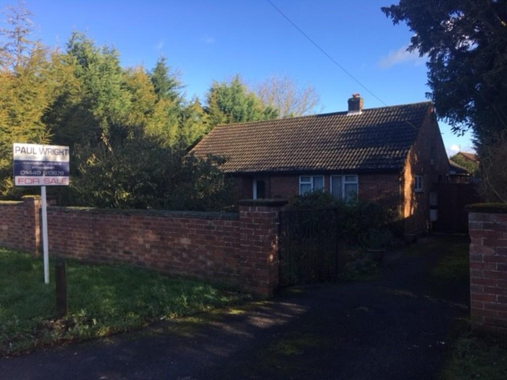 3 Bedrooms Detached Bungalow for sale in Violet Hill Road, Stowmarket
