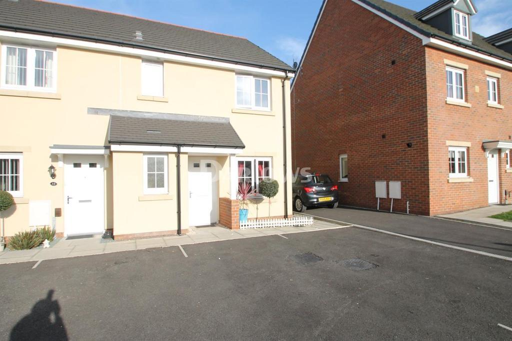 3 Bedrooms End Of Terrace House for sale in Parc Y Dyffryn, Ryhdfelin