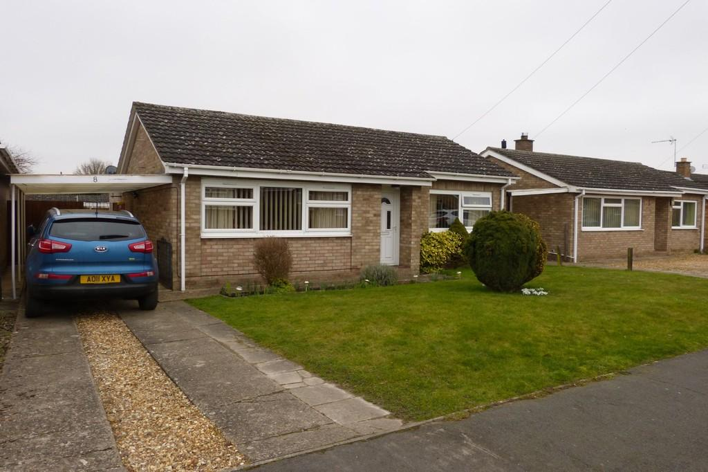 2 Bedrooms Detached Bungalow for sale in Fair Close, Feltwell