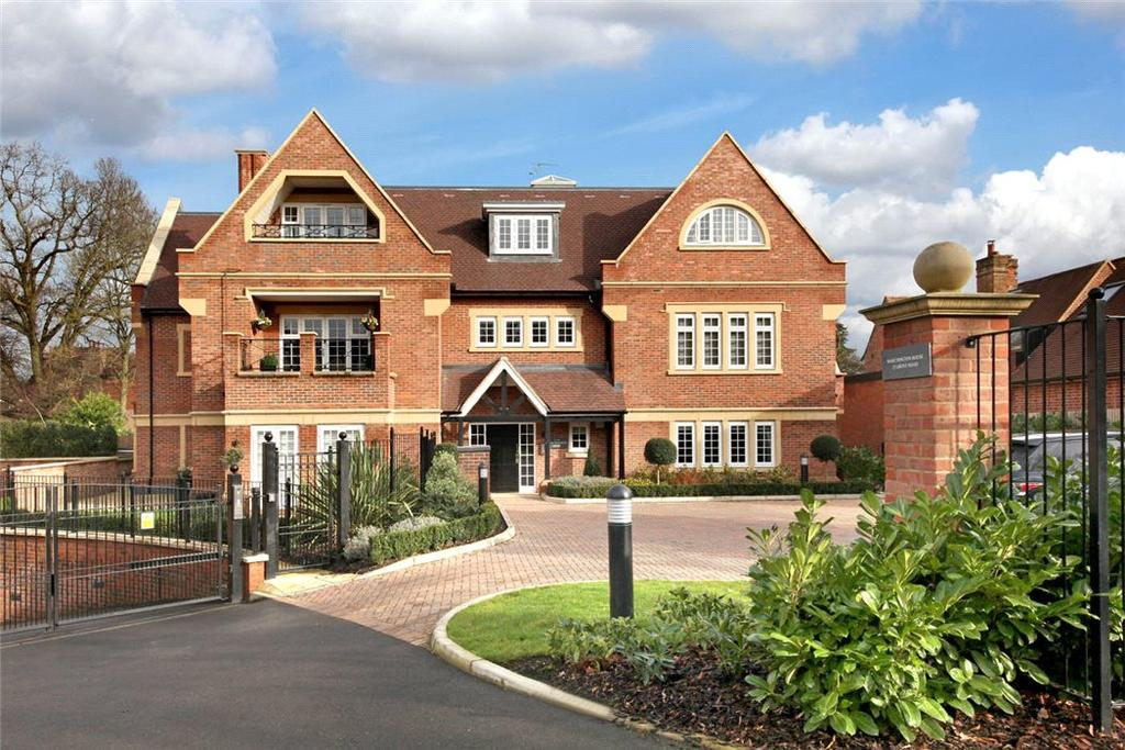 3 Bedrooms Flat for sale in Marchington House, 22 Grove Road, Beaconsfield, Buckinghamshire, HP9