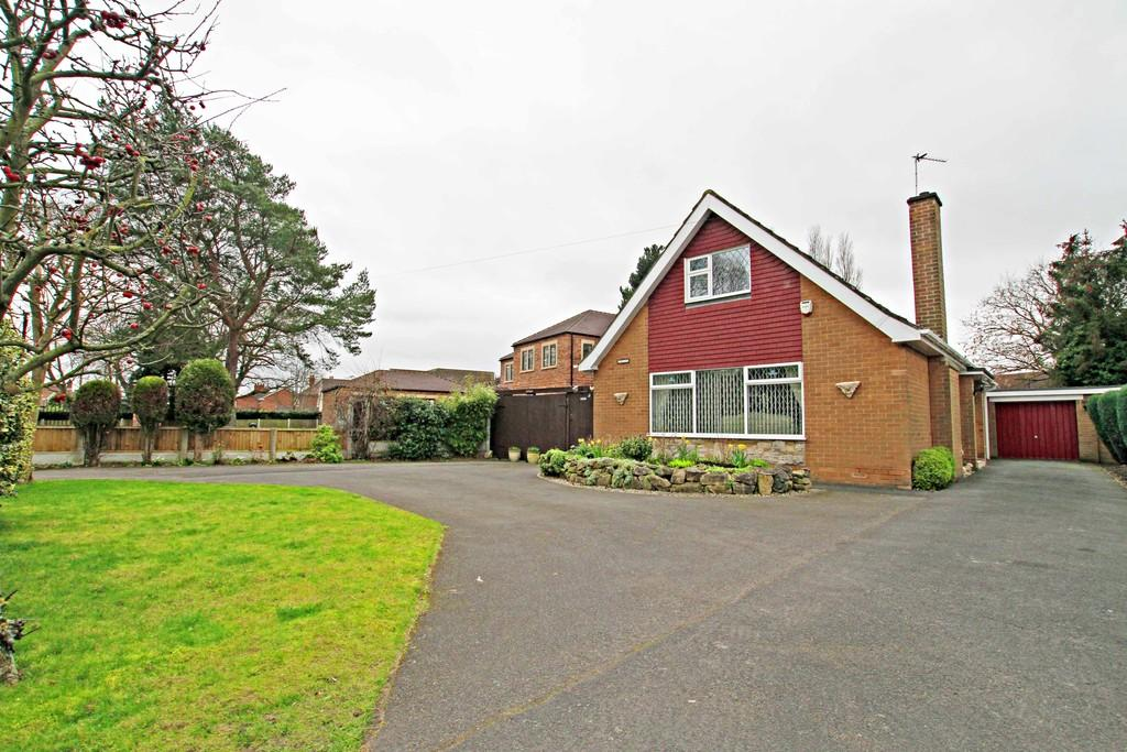4 Bedrooms Chalet House for sale in Whip Hill Top Lane, Branton, DN3 3PQ