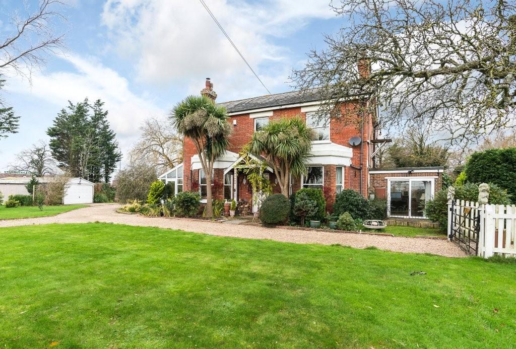 4 Bedrooms Detached House for sale in Lower Horsebridge, Hailsham