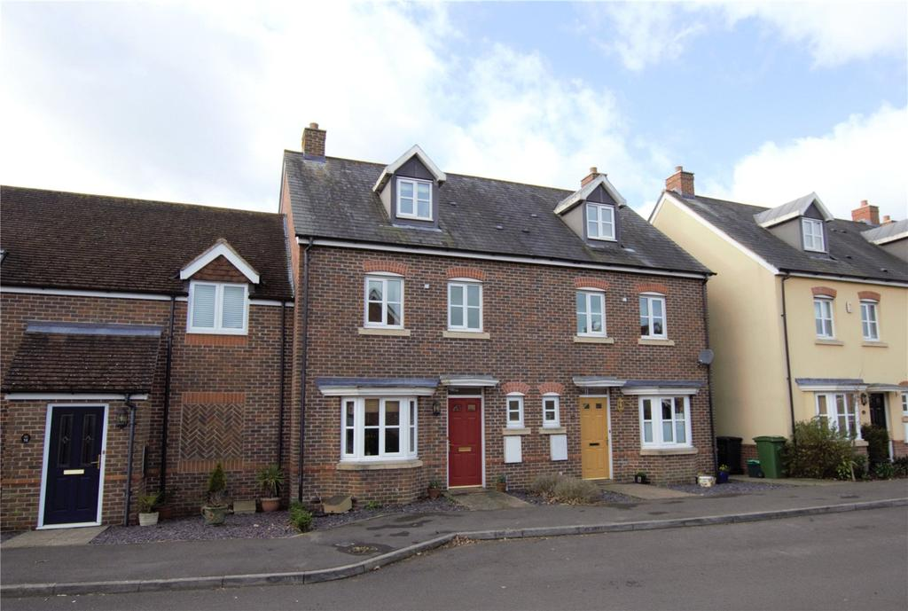4 Bedrooms Terraced House for sale in Acorn Gardens, Burghfield Common, Berkshire, RG7