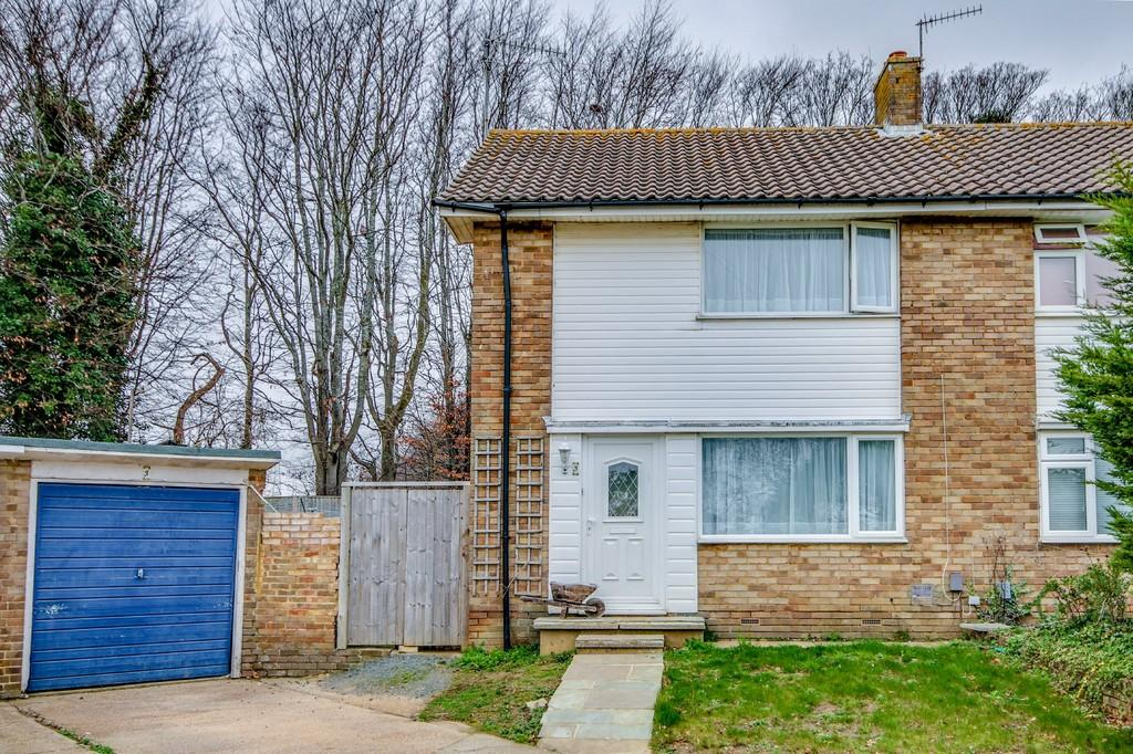2 Bedrooms Semi Detached House for sale in Southwick