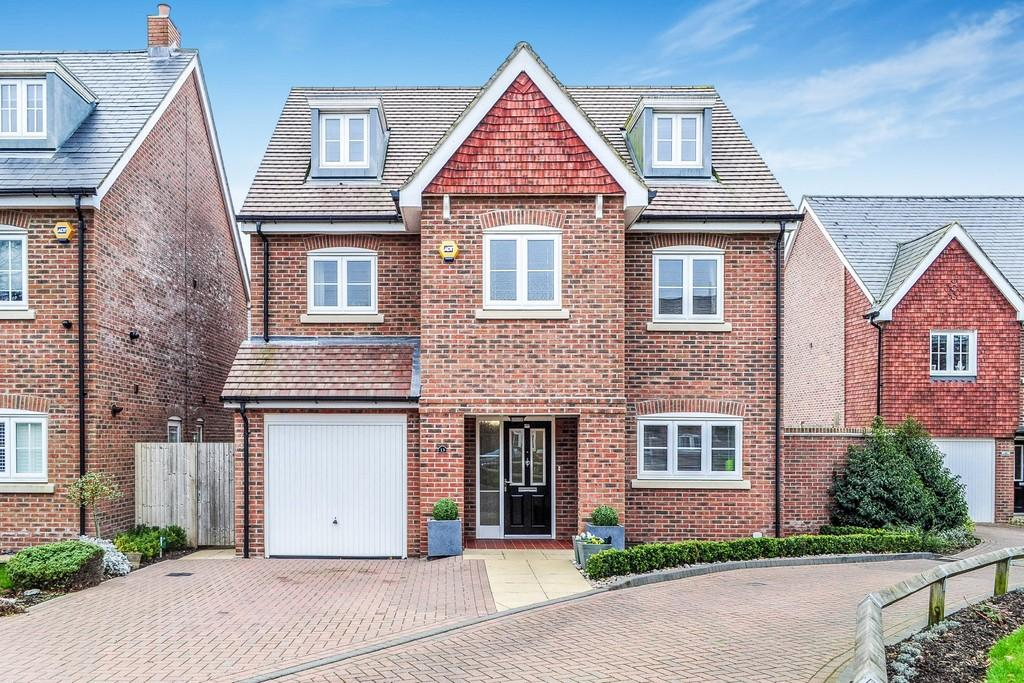 5 Bedrooms Detached House for sale in St Augustine Road, Southgate