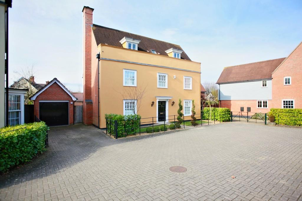 5 Bedrooms Detached House for sale in Thatchers Way, Great Notley