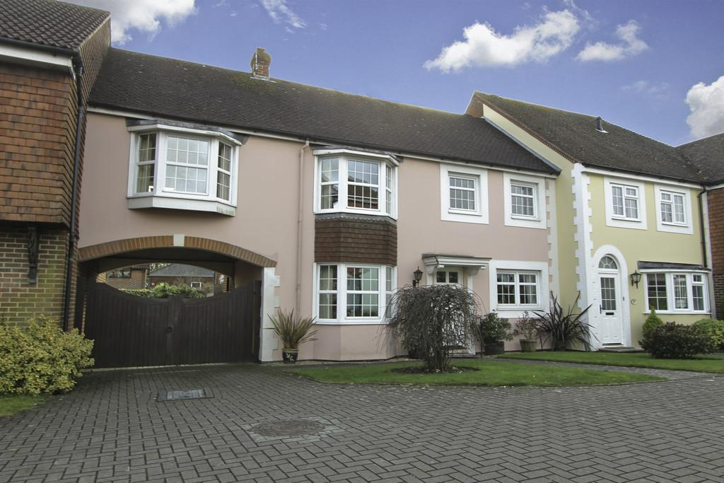 4 Bedrooms Mews House for sale in Grenehurst Way, Petersfield, Hampshire