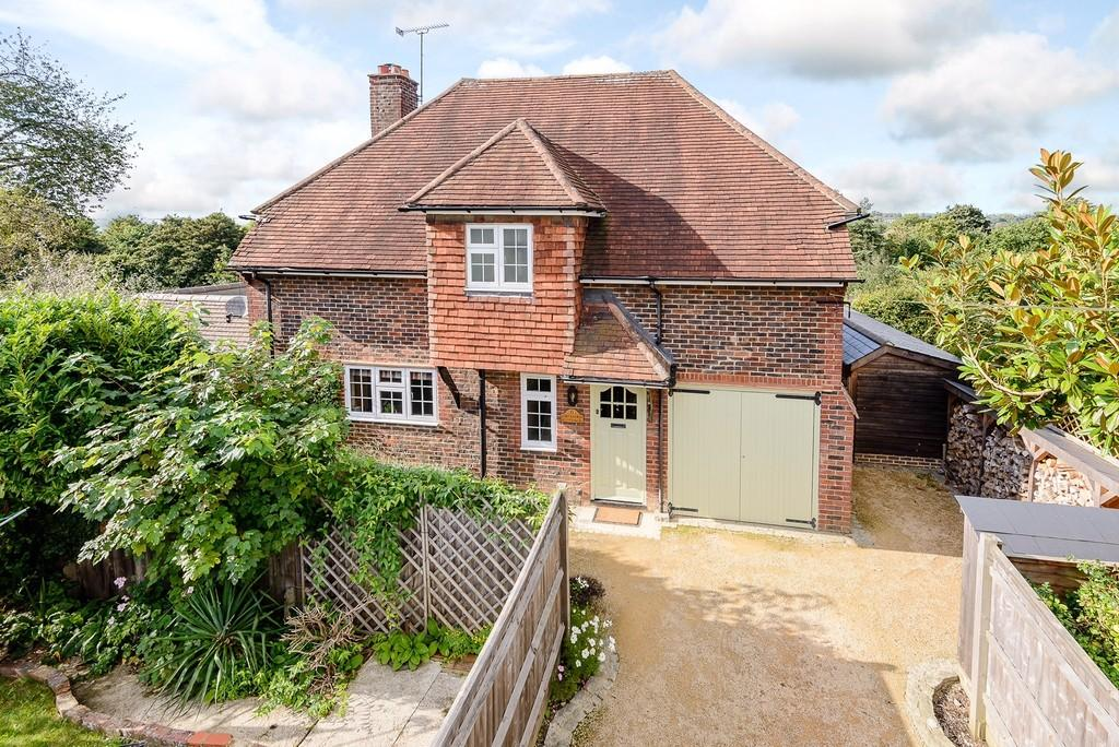 4 Bedrooms Detached House for sale in Arthur Road, Farnham