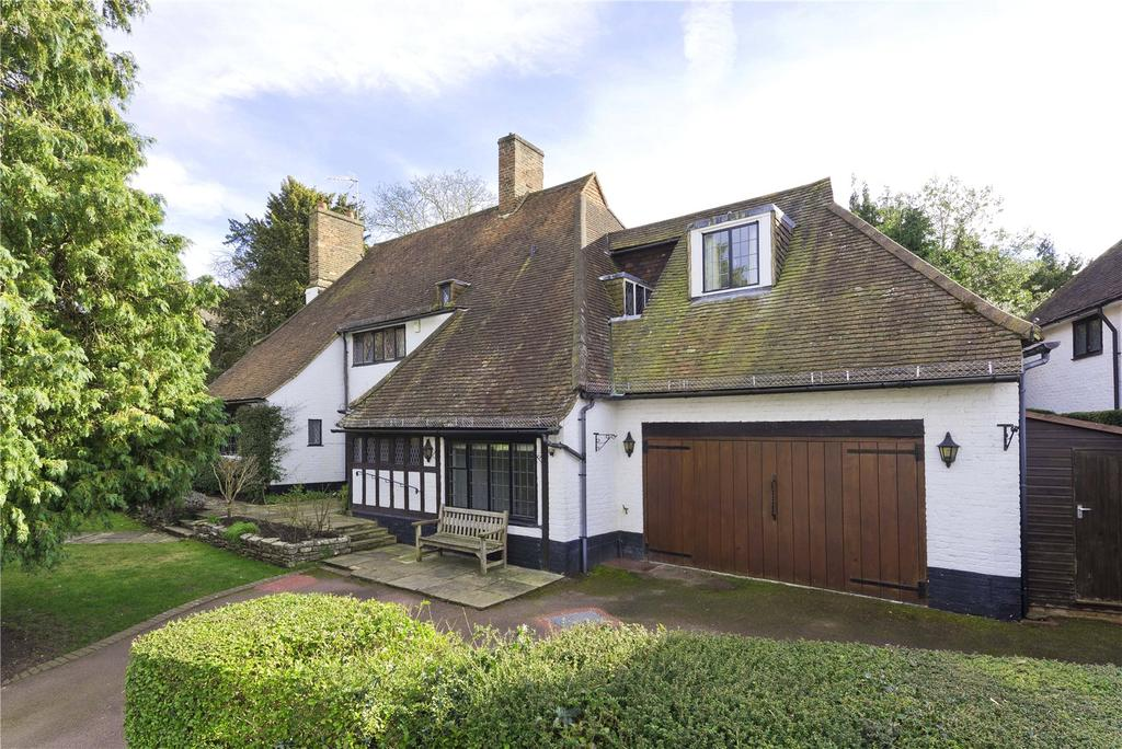 4 Bedrooms Detached House for sale in Clive Road, Esher, Surrey, KT10