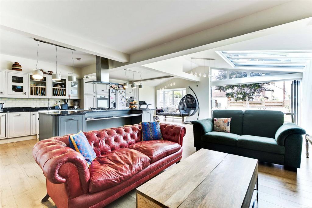 5 Bedrooms Detached House for sale in Westville Road, Thames Ditton, Surrey, KT7
